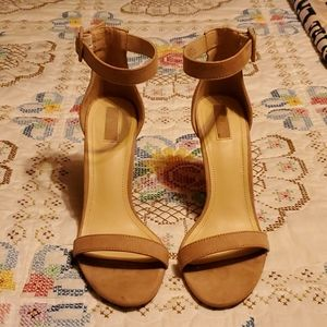 "RUE 21 ""Madden Girl"" 4 1/4"" Heel Shoes"